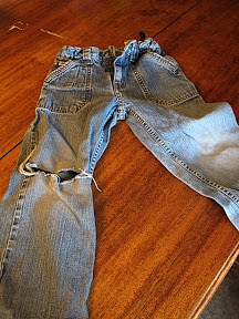 Easy, no-sew way to patch jeans ~ Successful Homemakers