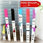 Snowman Pallet Decor~ Make these super cute and super simple snowmen to grace your porch or yard all winter long! No need for snow with these guys around!