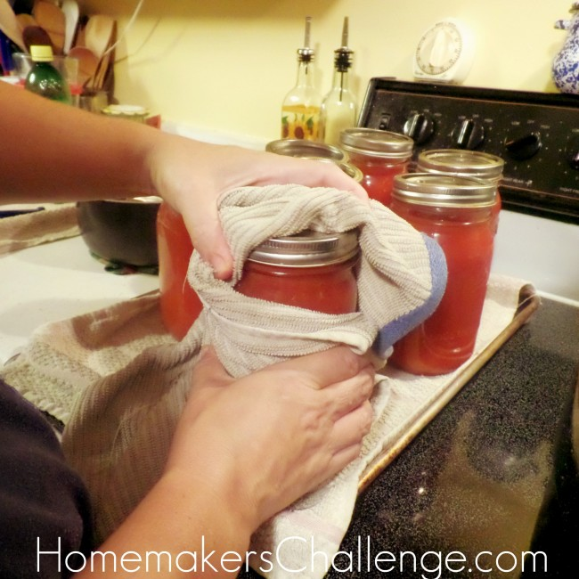 Easy Home Canning Tomatoes from Homemaker's Challenge