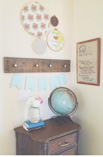 How to Decorate Your Home When You Can't Afford It from Homemaker's Challenge