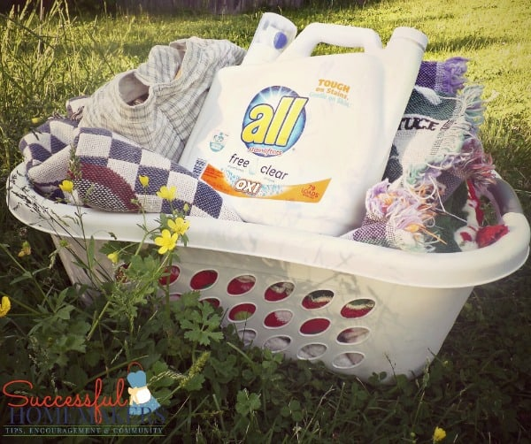 all free clear helps air your dirty laundry! ~ Successful Homemakers  Tips for line drying your clothes