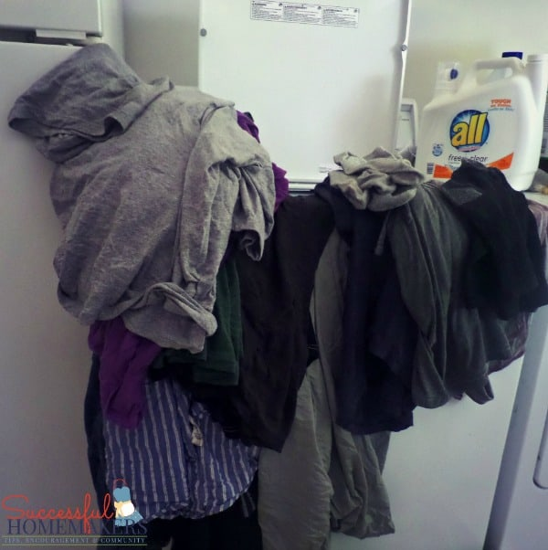 allFreeClear helps air your dirty laundry! ~ Successful Homemakers  ~Tips for hanging your laundry out to dry!