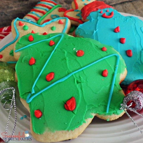 Ultimate Sugar Cookies ~ Successful Homemakers #recipe #Christmas #Easter Soft sugar cookies that are a dream to cut out, bake, and decorate!