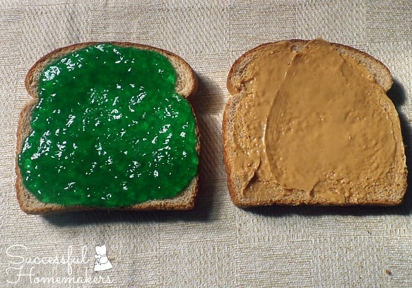 St Patrick's Day party fun! ~ Successful Homemakers Add green food coloring to apple jelly for a quick green PBJ