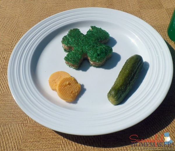 St Patrick's Day party fun! ~ Successful Homemakers add green food coloring to butter to make a green grilled cheese